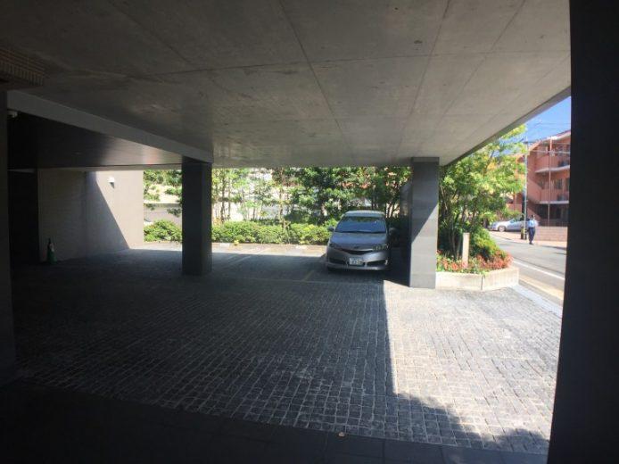来客用駐車場は、ゆったりと3台