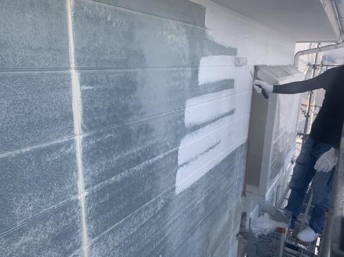 外壁の塗装 下塗り